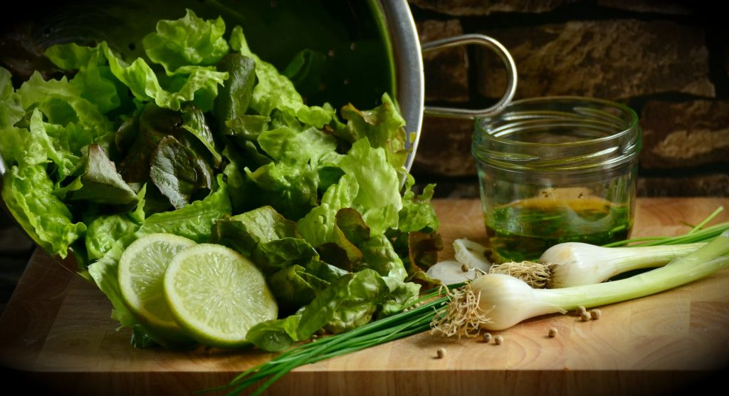 Green salad with lettuce - source of folate